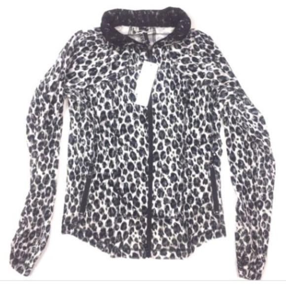 56db65274e30 Berek Jackets & Coats   Small Sparkle Wilderness Animal Print Jacket ...
